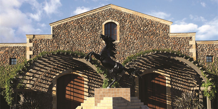 black_stallion_estate_winery_front_700_350.jpg